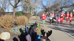07-heather-runs-the-jingle-jog-green-pants